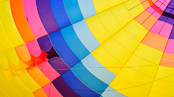 3, 2, 1...Jump! Don't worry you're safe with the parachute! Colorful and bright the Parachute wallpaper is perfect if you want to a fun day, simply by staying at your computer.
