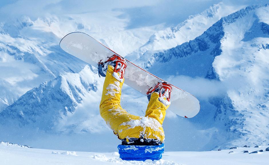 Sei bloccato nella neve e non puoi più uscirne? Non ti preoccupare, noi ti possiamo aiutare. Però sicuramente dopo aver fatto delle risate. Lo sfondo denominato Bloccato Nella Neve è perfetto per quelle vacanze quando fai dei ricordi per una vita intera!