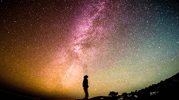 There's nothing more beautiful than looking at the starry sky! To do that you should just set the Celestial theme on your homepage and let yourself mesmerized by the majestic nature!
