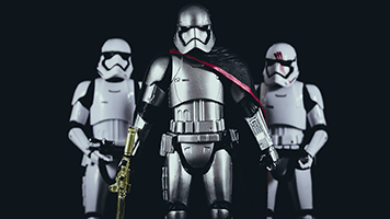 We'll need the force on our side, the Stormtroopers are here! Fight the evil besides us or just pick the dark side and set the Stormtroopers theme on your homescreen. It's up to you!