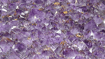 If you love colors, this Amethyst theme is the best choice! Set it on your homepage and enjoy the pretty nuances of purple and gold! The Amethyst theme comes with it's own color set!