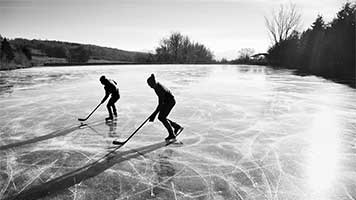 Winter is here so let's go to the frozen lake for a hockey game! Bring the whole gang cause it's going to be fun! But if you're still recovering from the last game just set the Frozen Lake theme on your homepage!