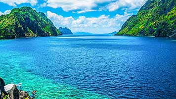 Take a trip to the Blue Lake! It won't take long, just set the Blue Lake on your computer and welcome to your dream vacation!