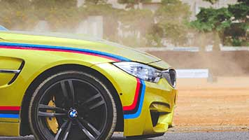 3, 2 ,1...Race! Get to the finish first with the BMW Car theme! Set it for free on your homescreen and don't worry about the burning too much gas, this BMW Car is super eco-friendly!