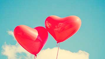 If you're in love and you want to let your significant one how you feel just share the Balloon Hearts theme! For sure it will melt his heart! Or you can just set the Balloon Hearts theme on your homescreen and daydream about your loved one!