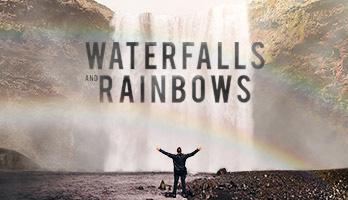 Wenn dich Wasserfälle und Regenbogen beeindrucken, dann kannst du dieses Hintergrundbild mit dem Namen Wasserfälle und Regenbogen kostenlos auf deinem Computer herunterladen.